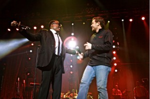 Charlie Wilson and Scotty McCreery on stage in Raleigh, North Carolina. Photographer: Elpwe Ray / P Music Group