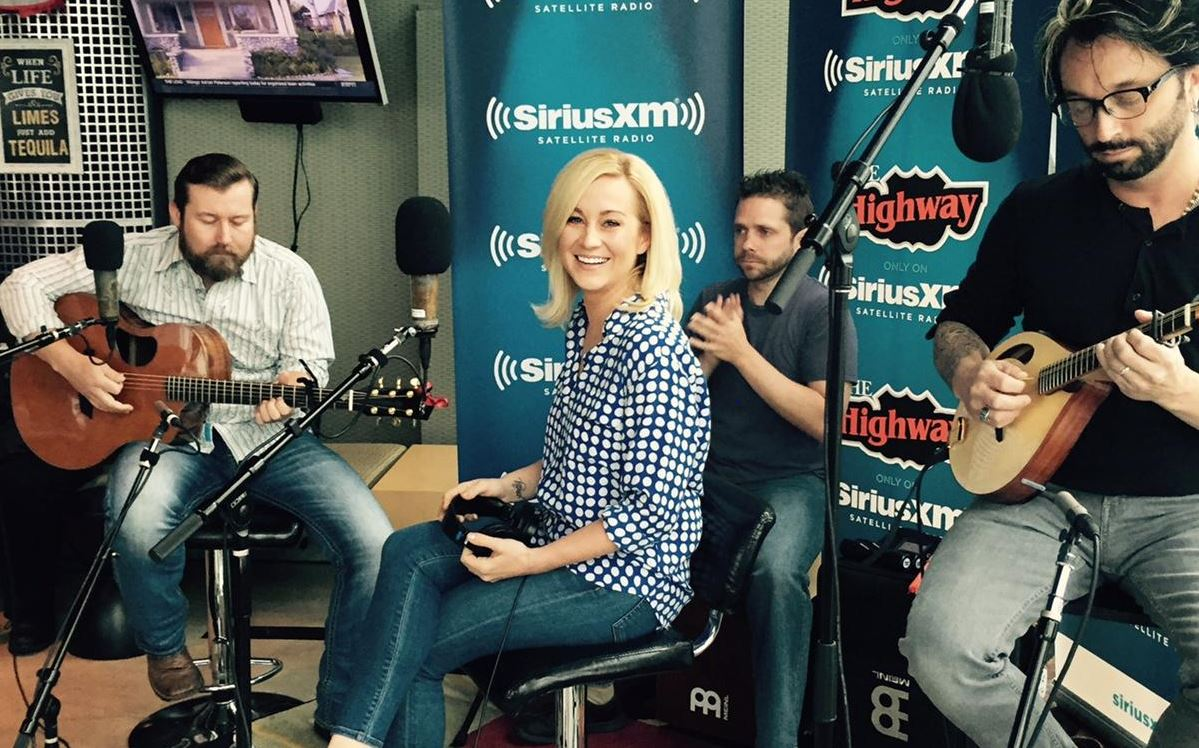 kellie pickler releases new single feeling tonight exclusively on sirius xm the highway. Black Bedroom Furniture Sets. Home Design Ideas