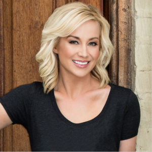 Kellie Pickler - Music Charts Magazine NEWS